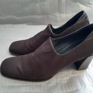 Donald j pliner shoes Brown fabric block heel